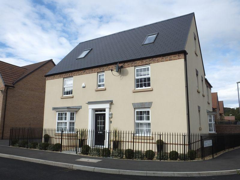 5 Bedrooms Detached House for sale in Langpen Drive, Abergavenny,Monmouthshire