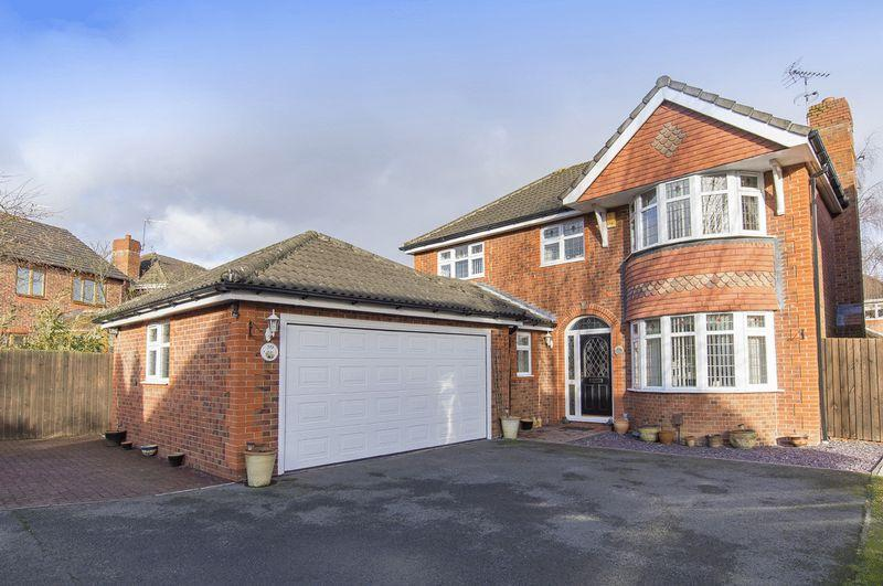 4 Bedrooms Detached House for sale in MERLIN WAY, MICKLEOVER