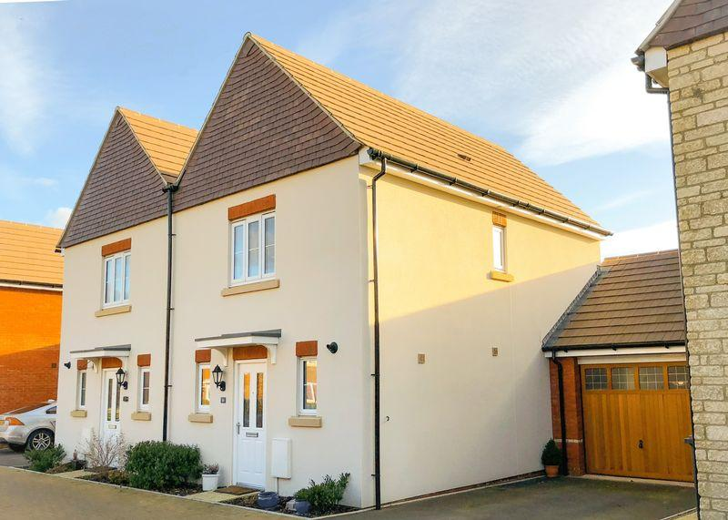 2 Bedrooms Semi Detached House for sale in Lime Kiln, Wantage