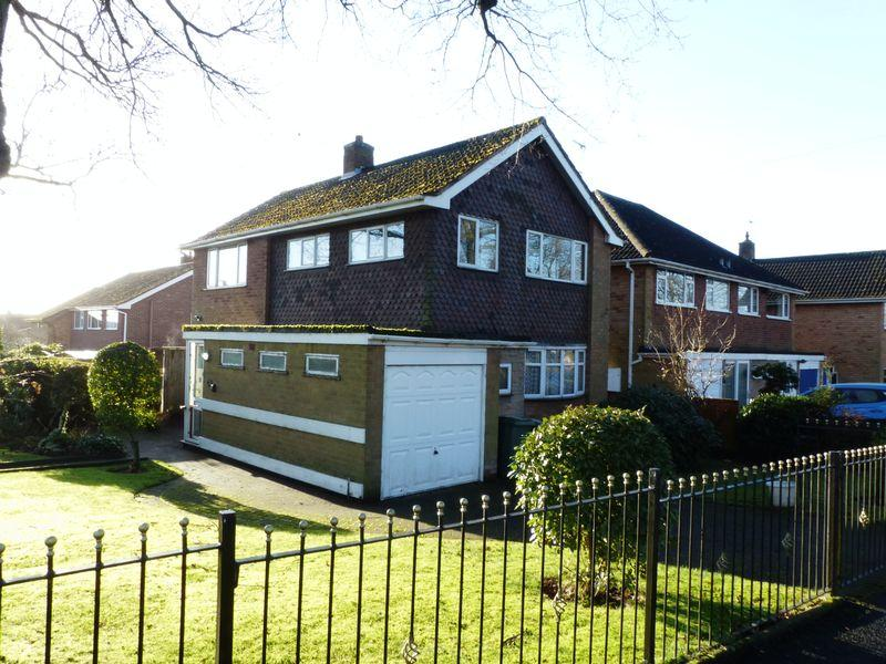 3 Bedrooms Detached House for sale in Bridle Lane, Sutton Coldfield