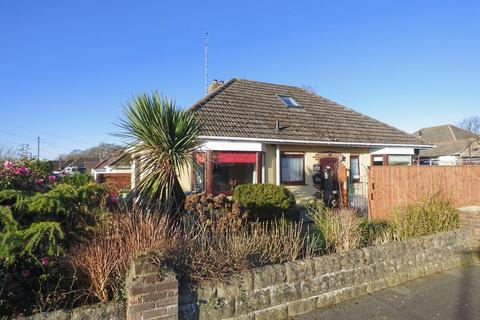 2 bedroom detached bungalow for sale - BROADSTONE/POOLE FRINGES