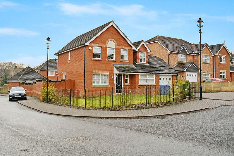 5 Bedrooms Detached House for sale in Lady Richeld Close, Sandymoor, Cheshire