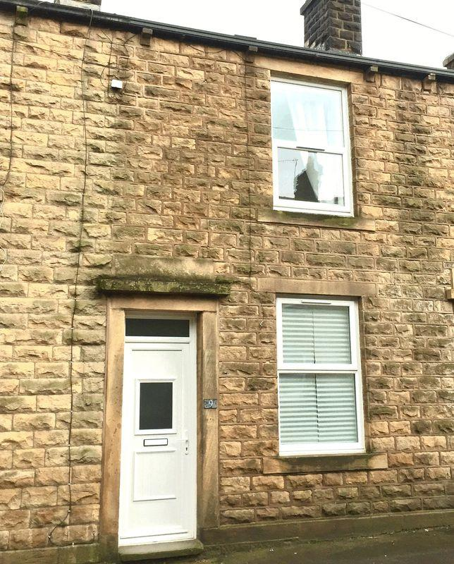 2 Bedrooms Cottage House for sale in Clough Road, Littleborough