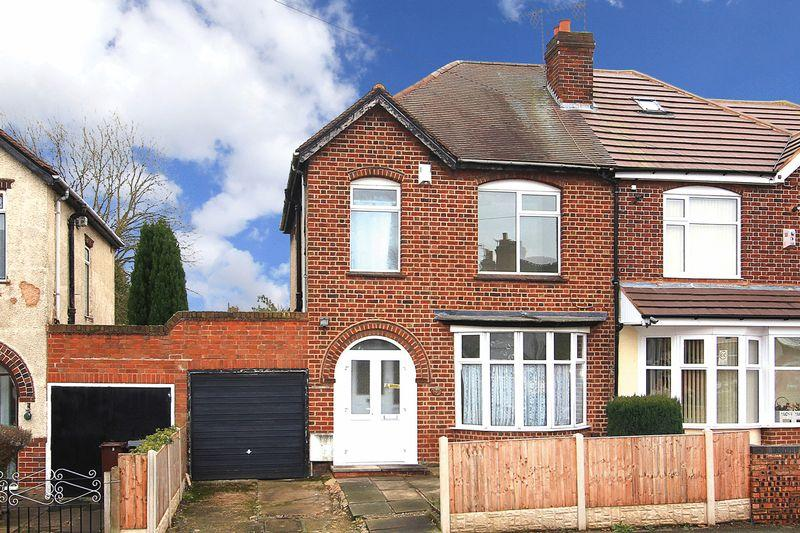3 Bedrooms Semi Detached House for sale in PENN FIELDS, Burleigh Road