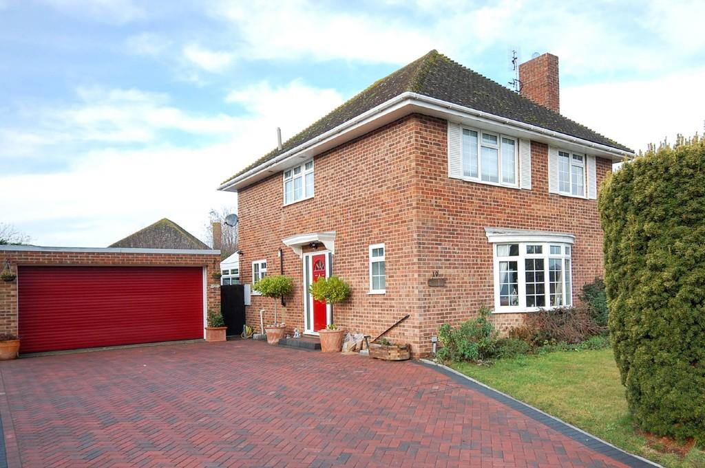 4 Bedrooms Detached House for sale in Bullockstone Road, Herne Bay