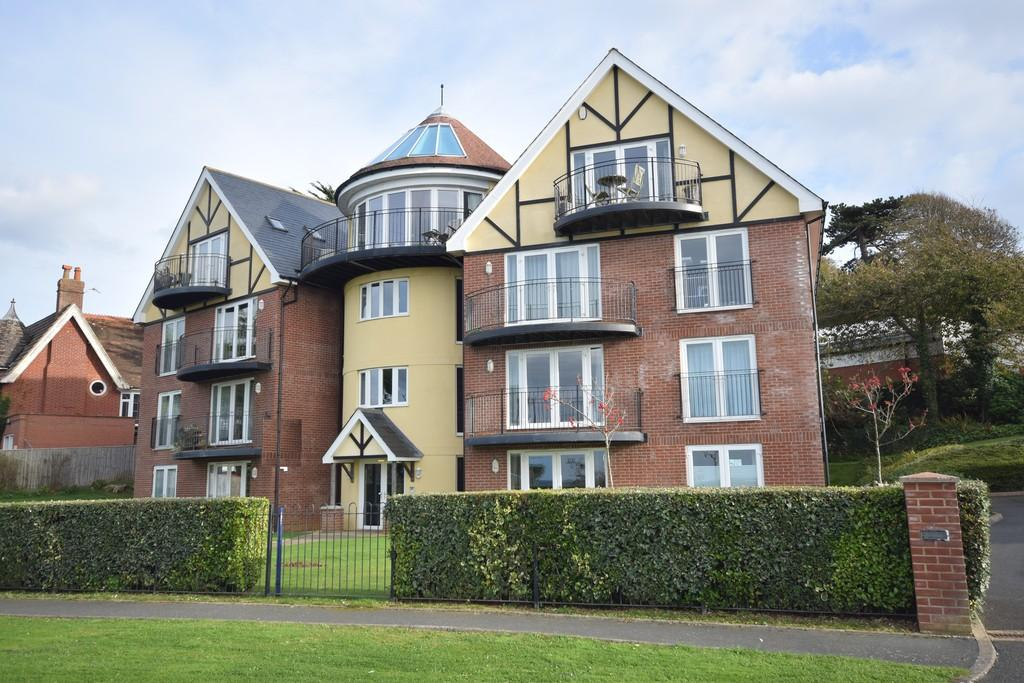 3 Bedrooms Penthouse Flat for sale in Cliff Road, Totland Bay