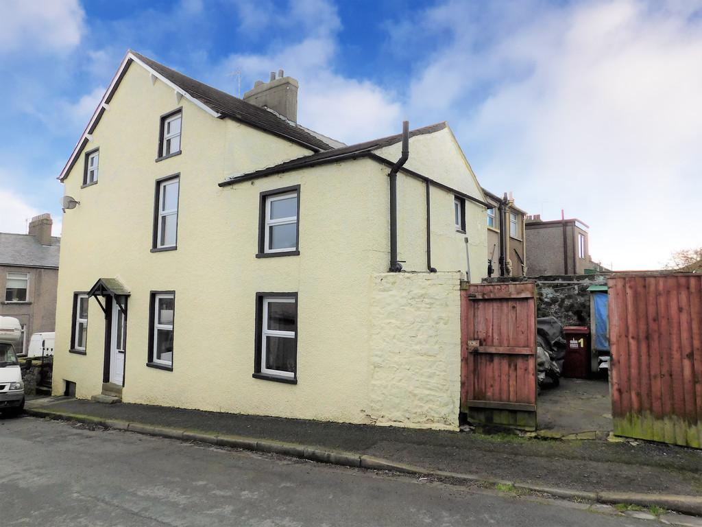 4 Bedrooms End Of Terrace House for sale in Hope Street, Dalton-in-Furness, Cumbria. LA15 8SJ