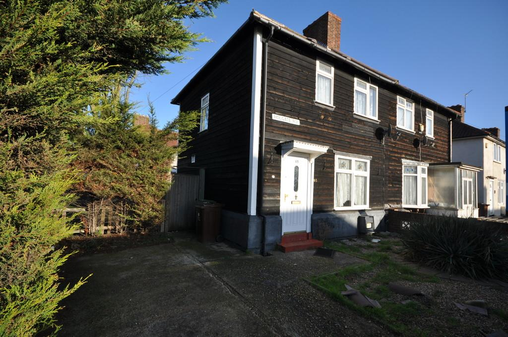 3 Bedrooms Semi Detached House for sale in Holgate Road, Dagenham