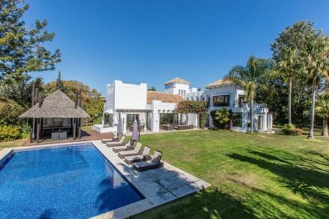 5 bedroom villa  - Guadalmina Baja, Marbella, Malaga