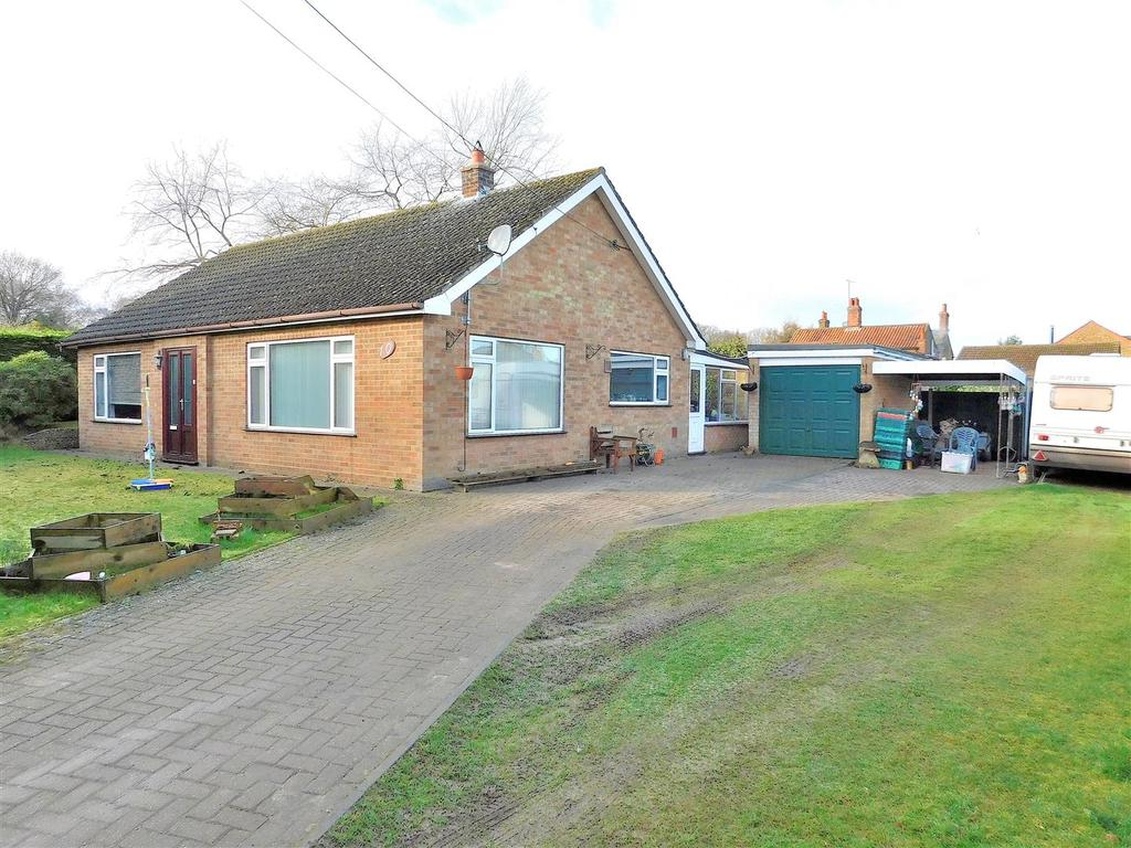 3 Bedrooms Detached Bungalow for sale in Senters Road, Dersingham, King's Lynn