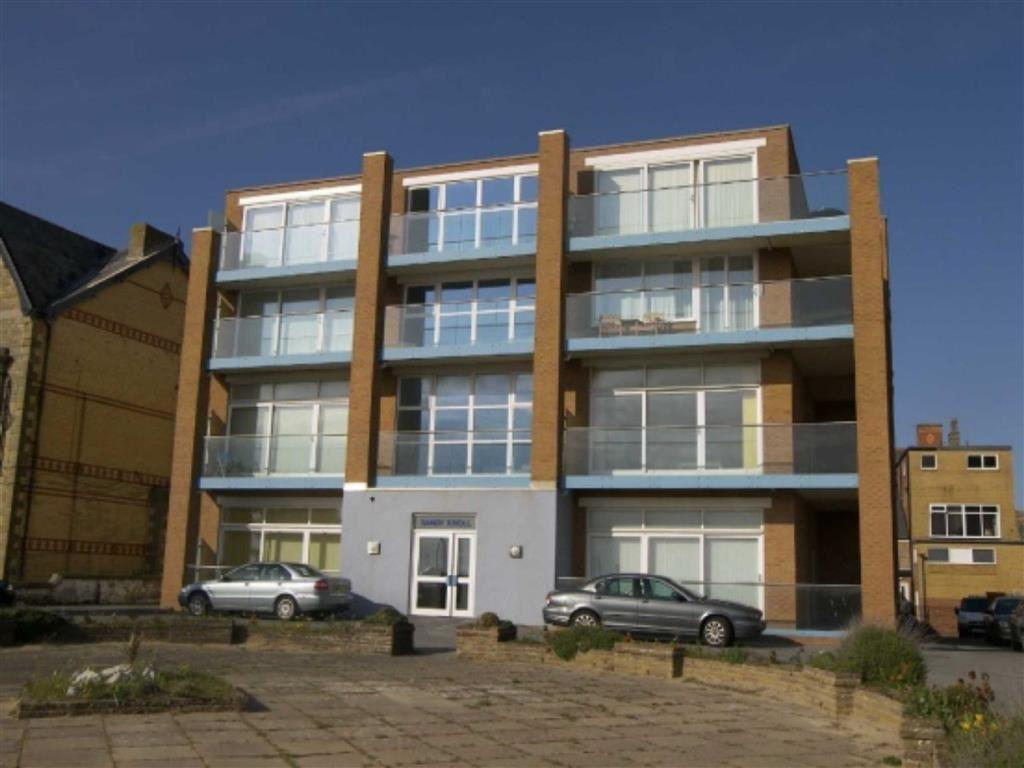 2 Bedrooms Apartment Flat for sale in North Promenade, Lytham St Annes, Lancashire
