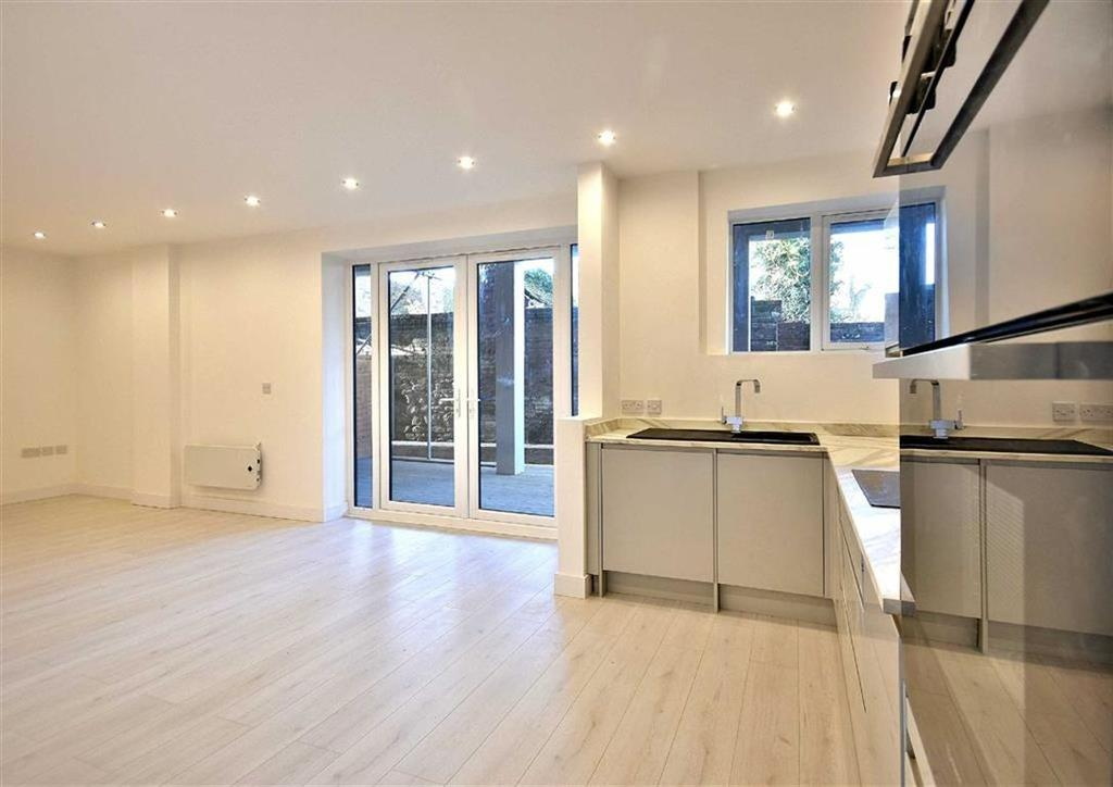 3 Bedrooms Apartment Flat for sale in Apartment 2, Listley Place, High Town, Bridgnorth, Shropshire, WV16