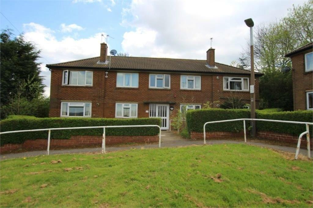 1 Bedroom Apartment Flat for sale in Turnsteads Crescent, CLECKHEATON, West Yorkshire