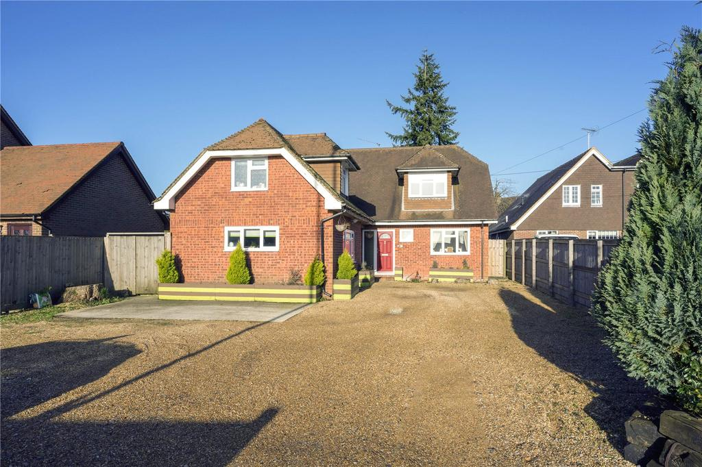 5 Bedrooms Detached House for sale in Winchester Road, Four Marks, Alton, Hampshire