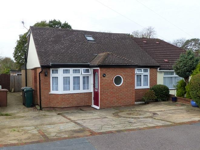 3 Bedrooms Semi Detached Bungalow for sale in St Georges Drive, Watford WD19