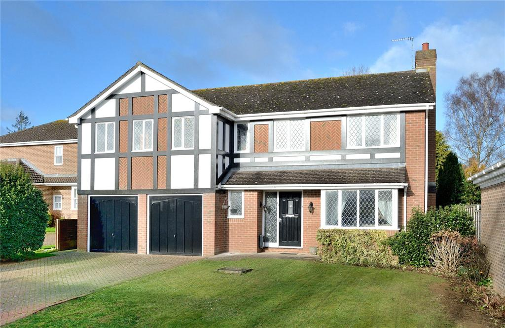 5 Bedrooms Detached House for sale in Gainsborough Drive, Sherborne, Dorset