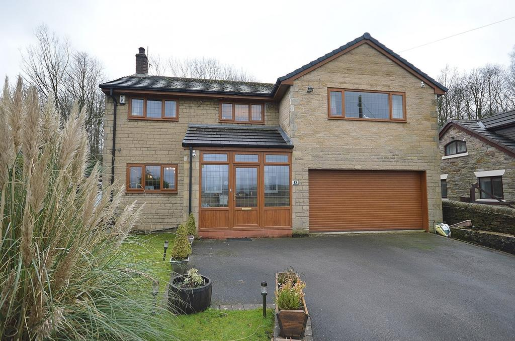 4 Bedrooms Detached House for sale in Marple Road, Chisworth