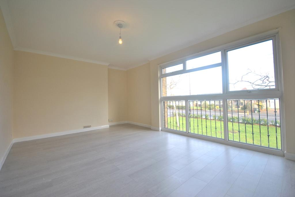 3 Bedrooms Flat for sale in Baring Road London SE12
