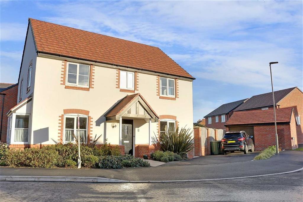 4 Bedrooms Detached House for sale in Copper Beech Road, Shavington, Crewe