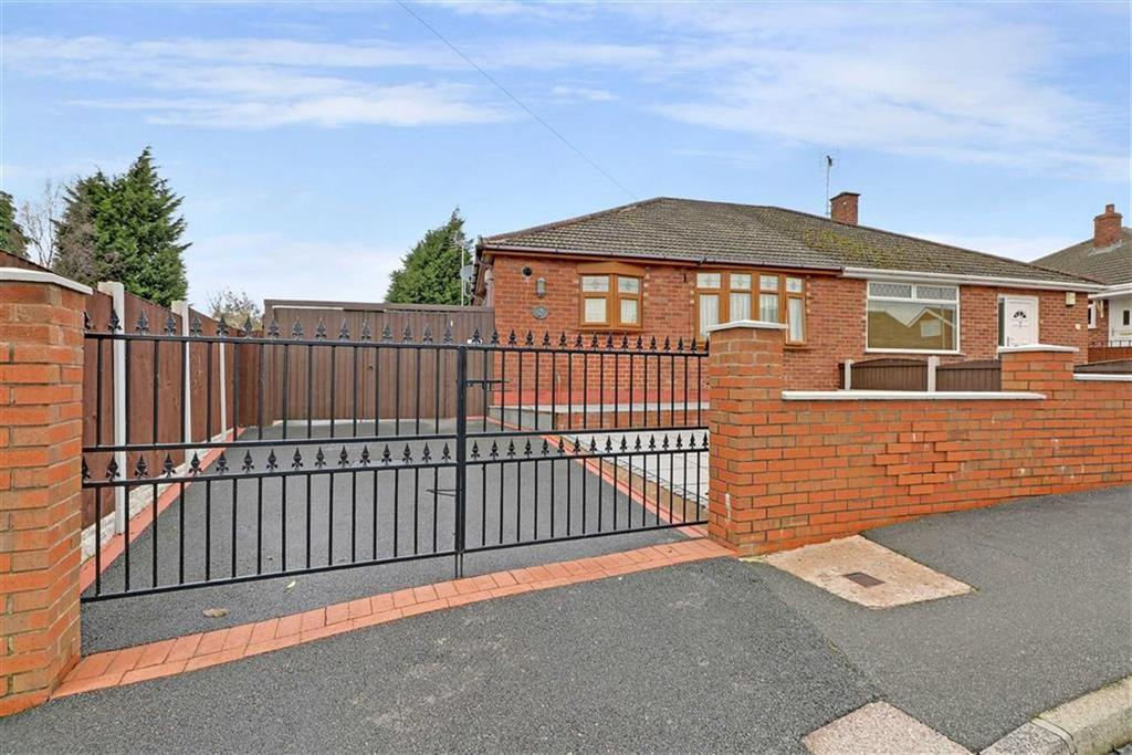 2 Bedrooms Semi Detached Bungalow for sale in Falmouth Road, Crewe