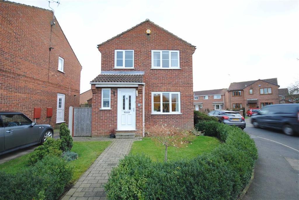 3 Bedrooms Detached House for sale in The Fairway, Sherburn-In-Elmet, Leeds, LS25