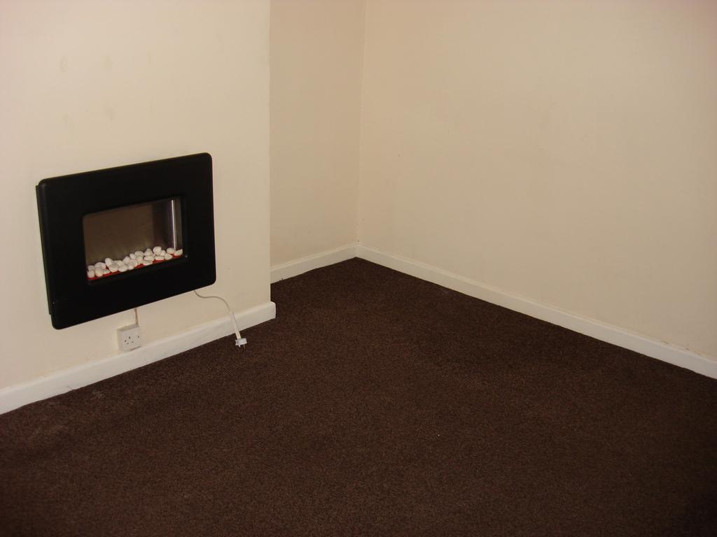 2 bed terraced house for rent on Flowitt Street, Mexborough