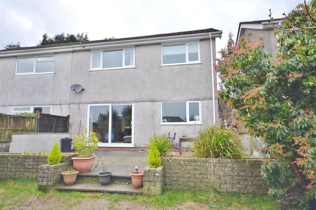 3 Bedrooms Semi Detached House for sale in Carmarthen