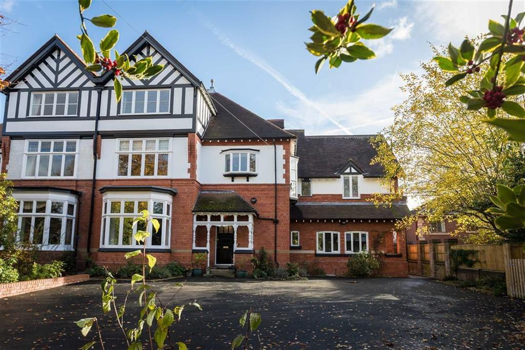 6 Bedrooms Semi Detached House for sale in Davey Lane, Alderley Edge