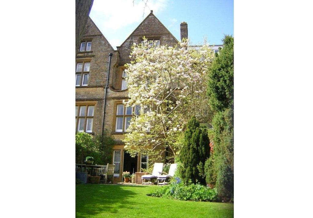 4 Bedrooms House for sale in The Avenue, Sherborne