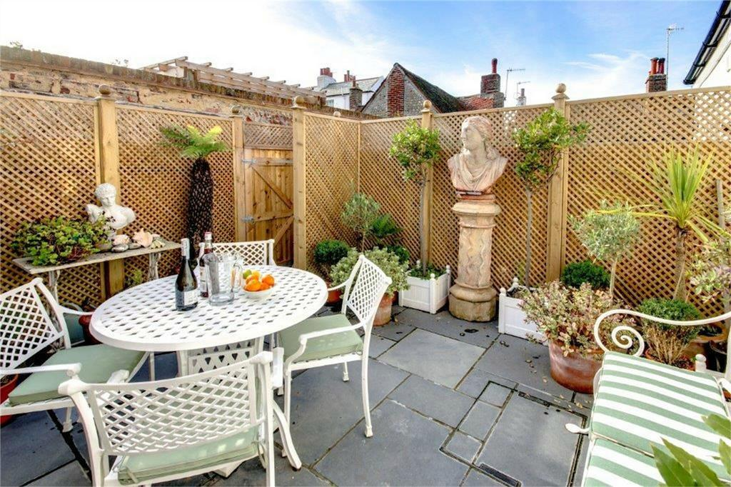 3 Bedrooms Cottage House for sale in Pelham Cottages, Pelham Yard, Seaford, East Sussex