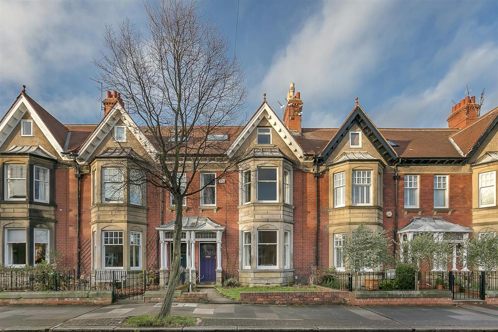 5 Bedrooms Terraced House for sale in Oaklands, Gosforth, Newcastle upon Tyne