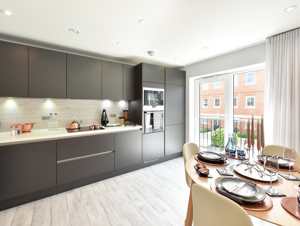 2 Bedrooms Flat for sale in 409 Elm House, Ryewood, Dunton Green, Sevenoaks, TN14