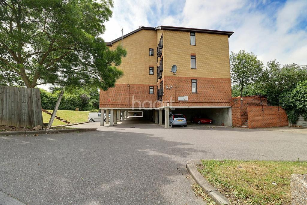 1 Bedroom Flat for sale in Greenhithe, DA9