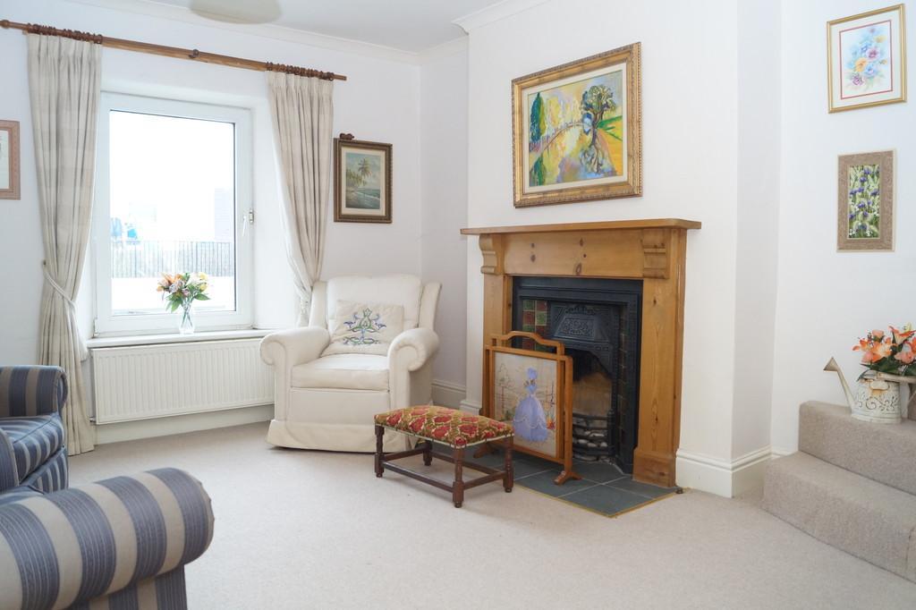 4 Bedrooms Maisonette Flat for rent in Yelverton
