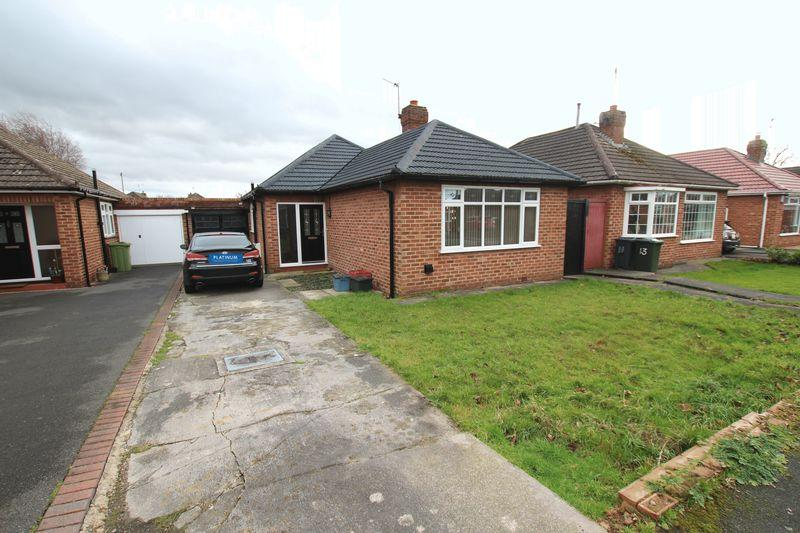 3 Bedrooms Detached Bungalow for sale in Glenesk Road, Great Sutton