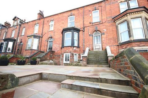 6 bedroom terraced house to rent - Regent Park Terrace, Hyde Park, LEEDS