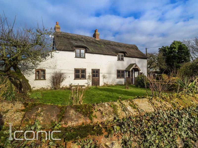 3 Bedrooms Cottage House for sale in Rectory Road, Weston Longville, Norwich