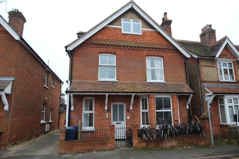 1 Bedroom Apartment Flat for sale in Victoria Road, Cranleigh