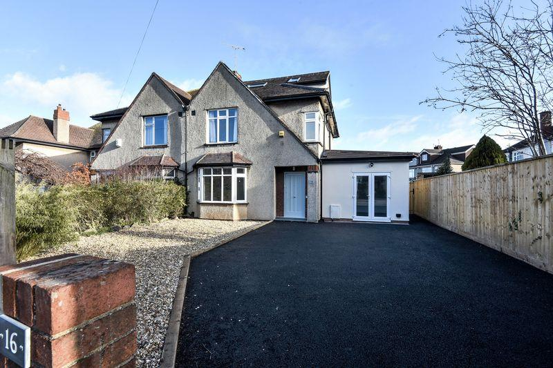 4 Bedrooms Semi Detached House for sale in Coombe Lane, Bristol