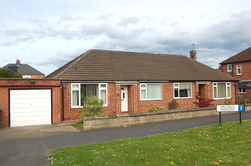 2 Bedrooms Semi Detached Bungalow for sale in Millfield Avenue, Northallerton
