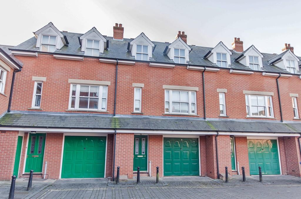3 Bedrooms Terraced House for sale in Ravensworth Gardens, Cambridge