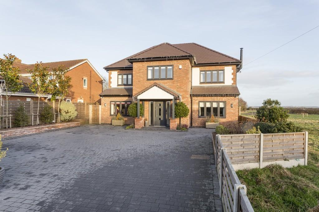 6 Bedrooms Detached House for sale in Postern Road, Tatenhill