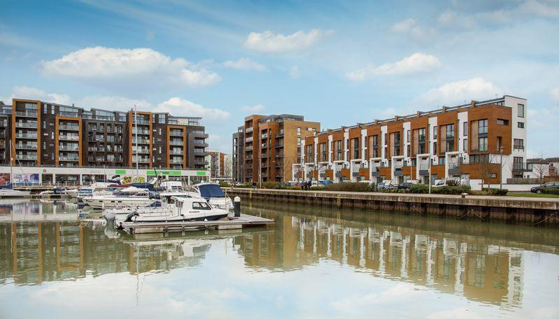 2 Bedrooms Penthouse Flat for sale in Newfoundland Way, Portishead