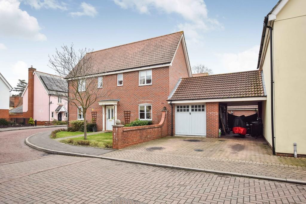 4 Bedrooms Detached House for sale in Whitebeam Close, Mile End, Colchester CO4 5HB
