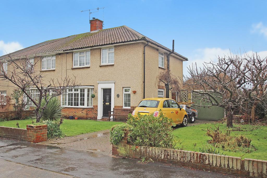 3 Bedrooms Semi Detached House for sale in Nutley Crescent, Goring-by-sea, Worthing, BN12 4LB