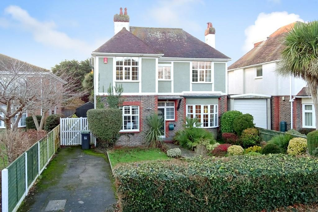 3 Bedrooms Detached House for sale in Church Road, Tarring, Worthing BN13 1EX