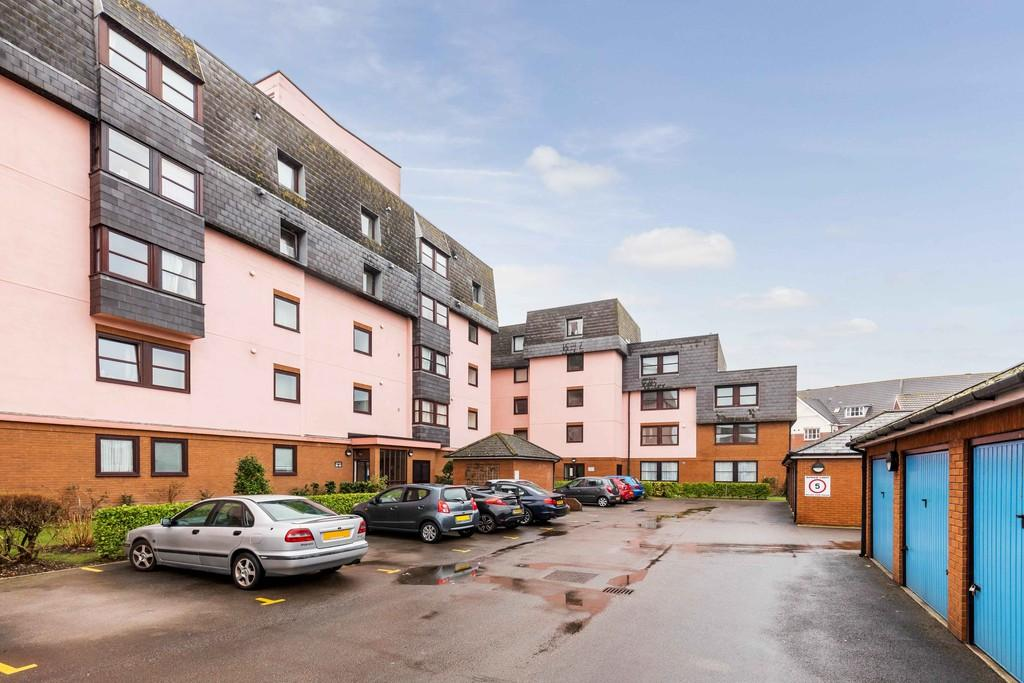 2 Bedrooms Apartment Flat for sale in Lombard Court, Old Portsmouth