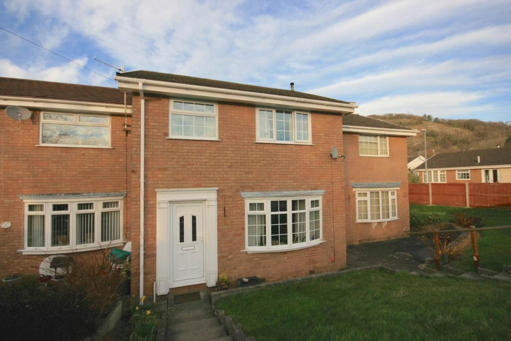 3 Bedrooms Terraced House for sale in 5 The Meadows, Llandudno Junction, LL31 9LP
