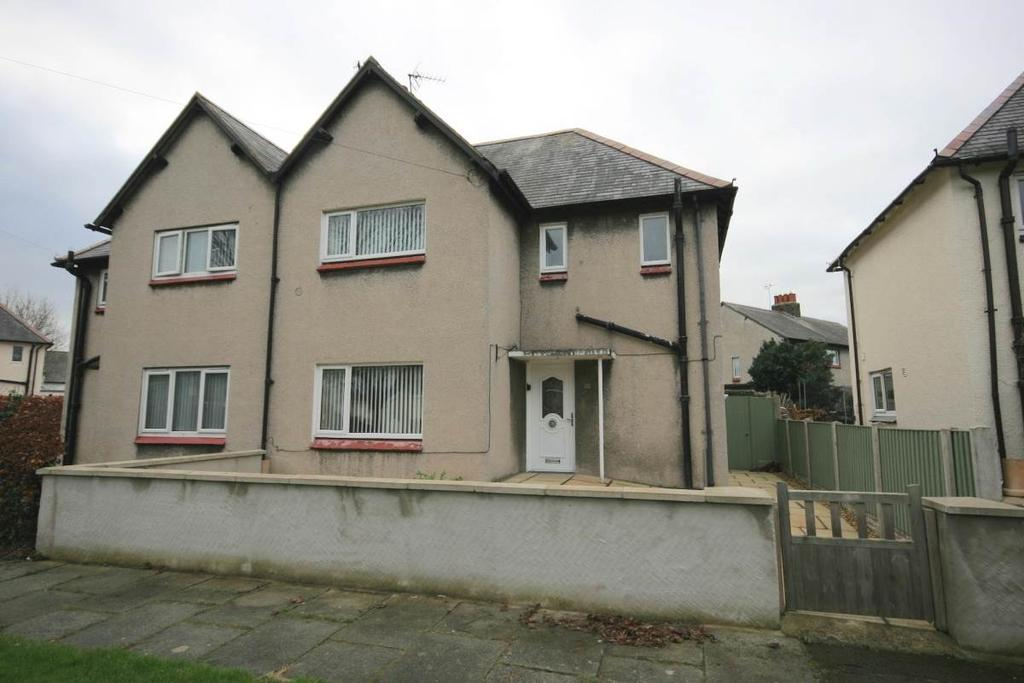 3 Bedrooms Semi Detached House for sale in 11 Victoria Crescent, Llandudno Junction, LL31 9HT