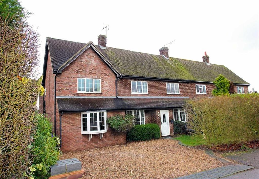 4 Bedrooms Semi Detached House for sale in Wadnall Way, Knebworth, SG3 6DU